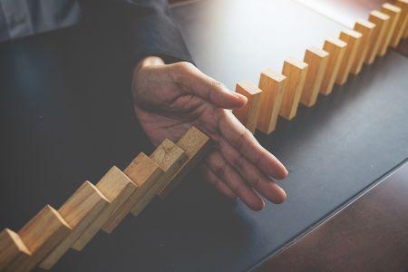 كيفية إعداد وتعديل وقف الخسارة / جني الأرباح في Exness